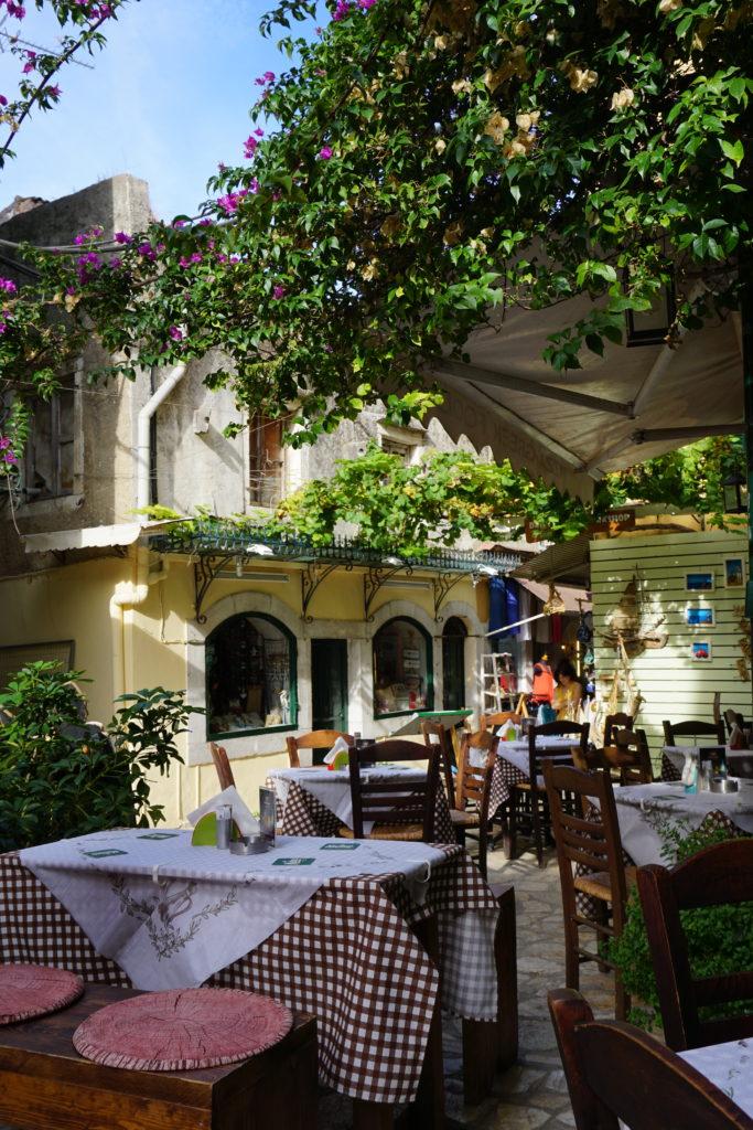 Terras in Corfu-stad