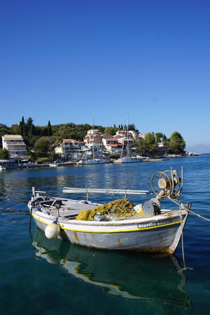 Vissersboot in Kassiopi Korfoe