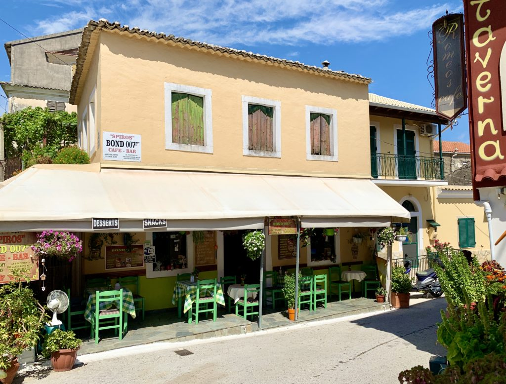 James Bond café op het eiland Corfu Griekenland