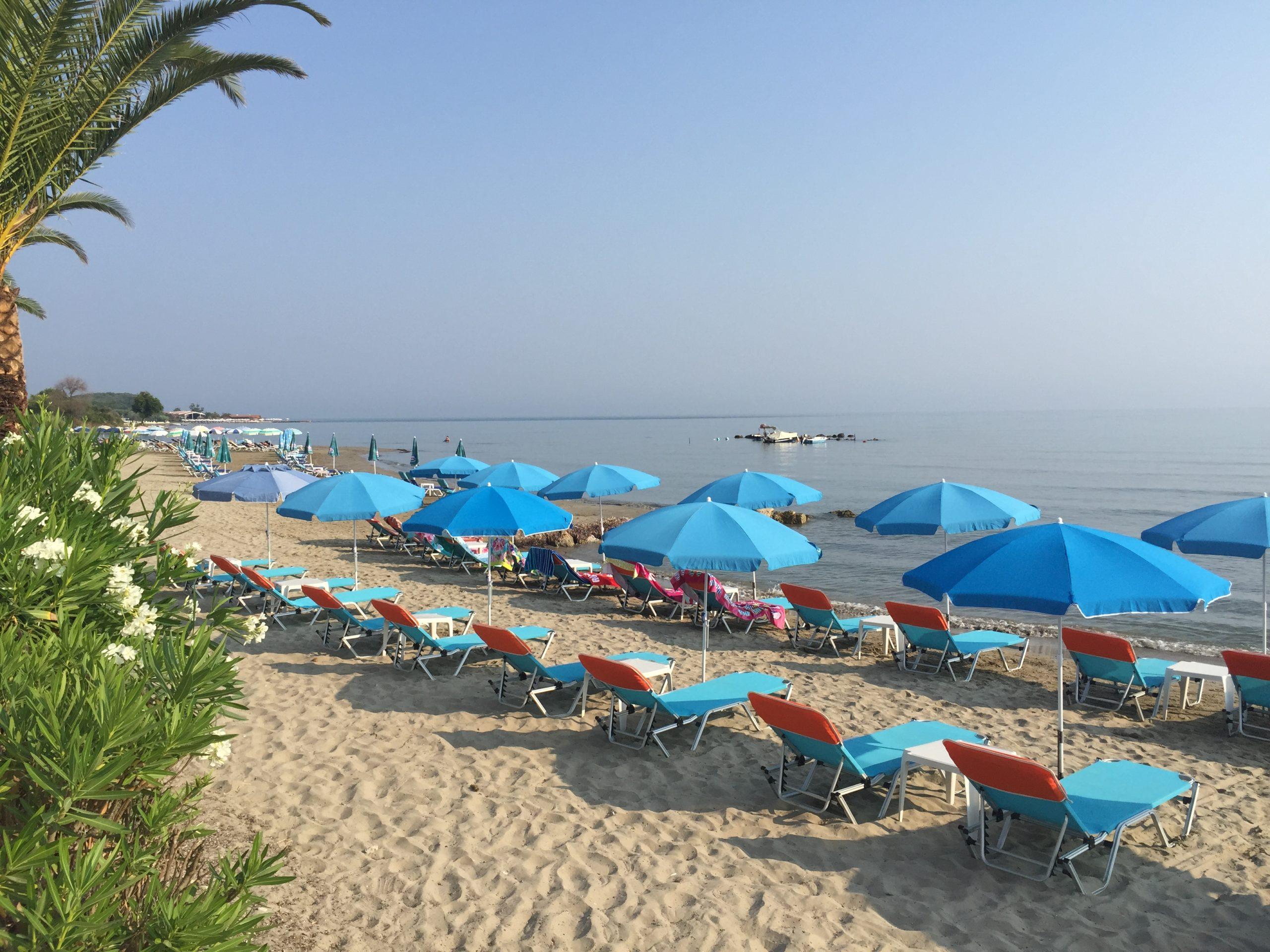 Strand van Roda in het noorden van Corfu.