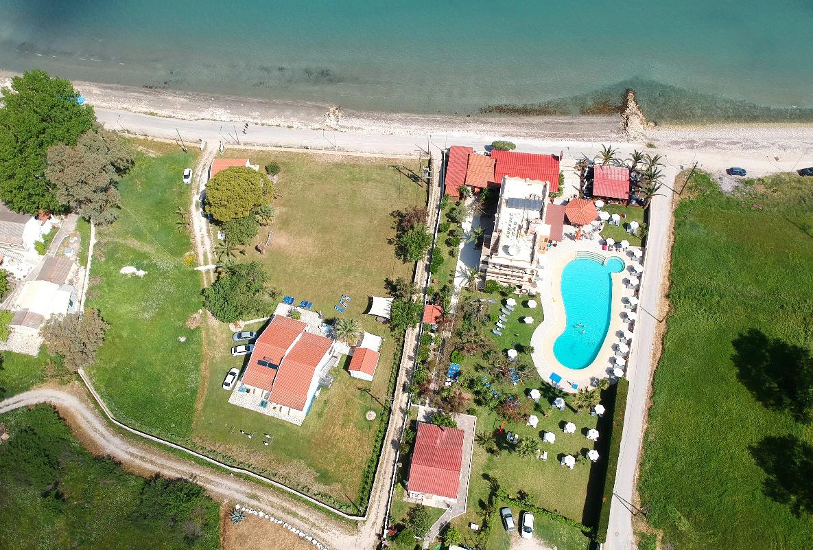 Appartementen Eveline in Roda op Corfu luchtfoto